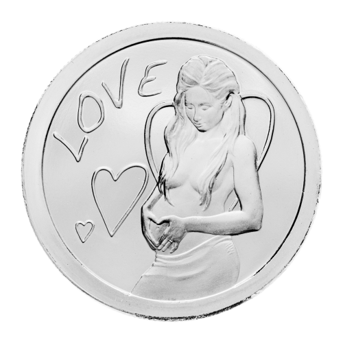 Liebe - 3 Herzen - eine schwangere Frau, die ihre Hände auf ihren Bauch legt und mit ihren Fingern ein Herz formt.