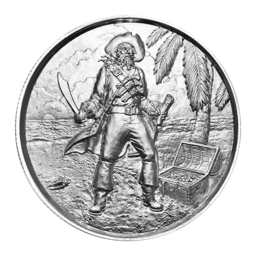 """Ein Totenkopf, mittig in einem Schiffsrad platziert, mit einer zerrissenen Flagge im Hintergrund und die Worte """"No Prey No Pay 2 oz Fine Silver 999"""" (Keine Beute Keine Bezahlung 2 oz Feinsilber 999)."""